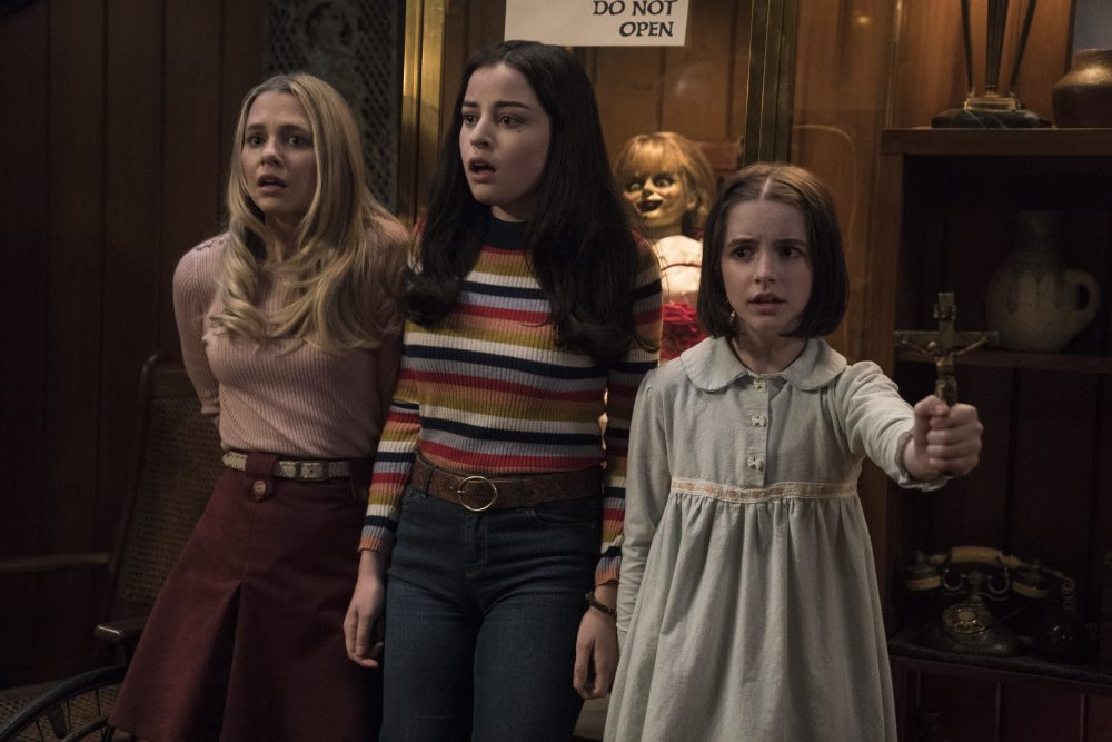 Annabelle Comes Home Review Conjuring Sequel Serves Up Lazy