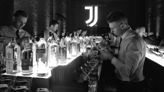 New Juventus logo bars and clubs.