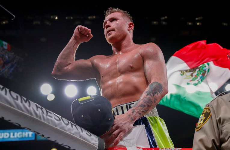 Alvarez collects fourth title after 8th-round TKO of Saunders