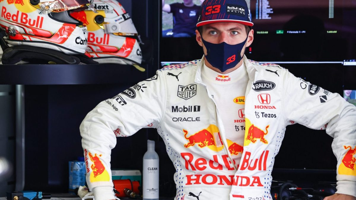 Webber: Red Bull urgently need to react to Mercedes pace