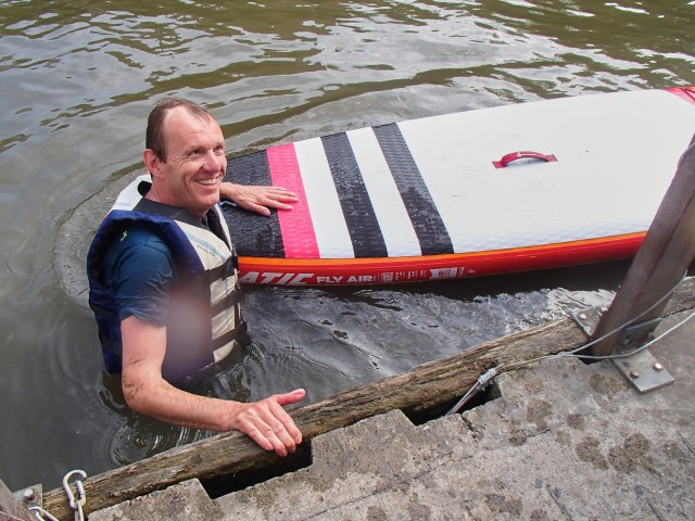 Image of a man who fell from a SUP board