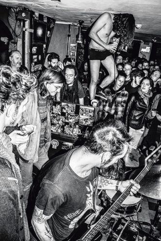 This is an image of a concert taking place in Kinky Star in Ghent