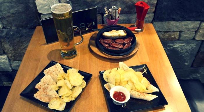 Μπύρα και αλμυρά κεράσματα