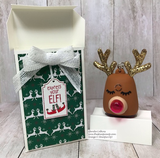 This is Day 10 in My 12 Days of Christmas Gift Giving Ideas. Today's box holds a super cute Reindeer from Bath & Body Works with a hand sanitizer. Details are on my blog here: https://wp.me/p59VWq-aCb #stampinup #thestampcamp #handmadegift #christmas