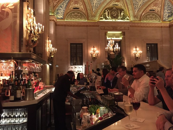 You have a choice of two bars on the lobby level: the sophisticated Potter's or the elegant Lobby Bar