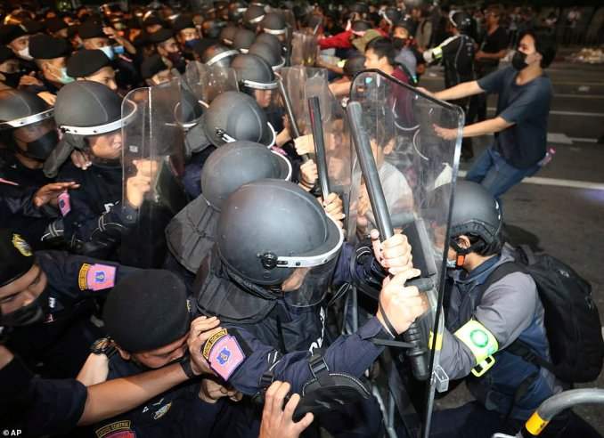 Some protesters tried to resist with makeshift barricades of garbage cans, but they were swiftly pushed back. By dawn, hundreds of police occupied the nearby streets and city workers began cleaning up
