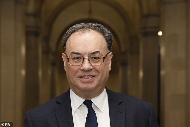 The Bank of England¿s governor, Andrew Bailey, has just sent a letter to all British banks, asking them how prepared their computer systems are for such a policy