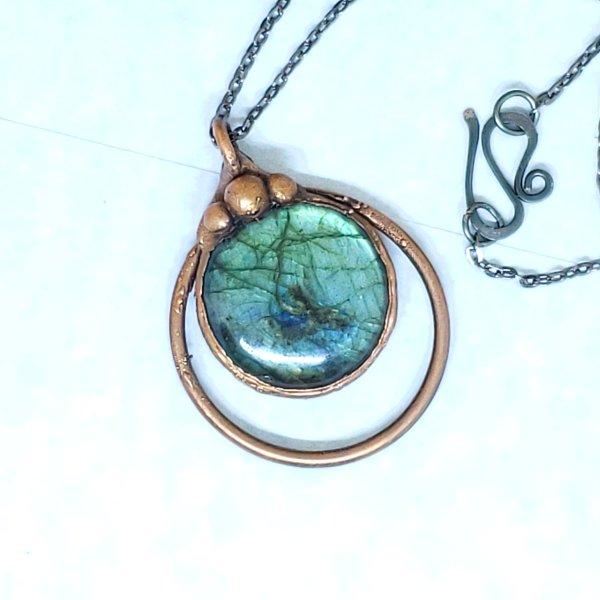 Electroformed Flashy Blue Labradorite Pendant Necklace with Gunmetal Chain