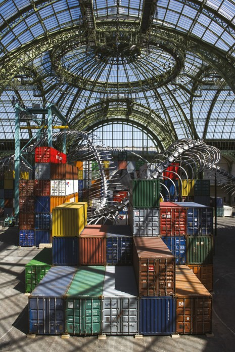 © Vue de l'exposition Monumenta – Empires, Huang Yong Ping, 2016, courtesy of the artist and Kamel Mennour, Paris, © Didier Plowy, RMN-GP