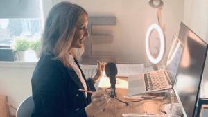 Emily Richards School Marketing Expert