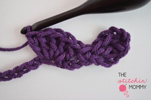 Let's Learn a New Crochet Stitch - Fancy Shells Stitch Tutorial | www.thestitchinmommy.com #crochet #shells #fancy #stitch #tutorial