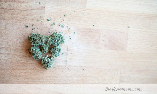 The Stoner Mom Reviews: Blueberry- the mood lifter