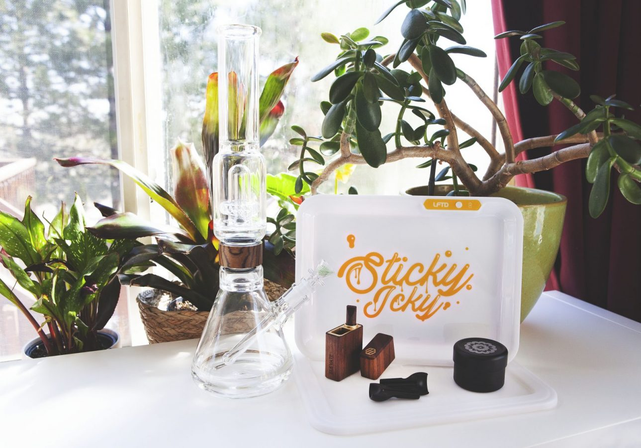 The Stoner Mom's 2021 420 Giveaway!