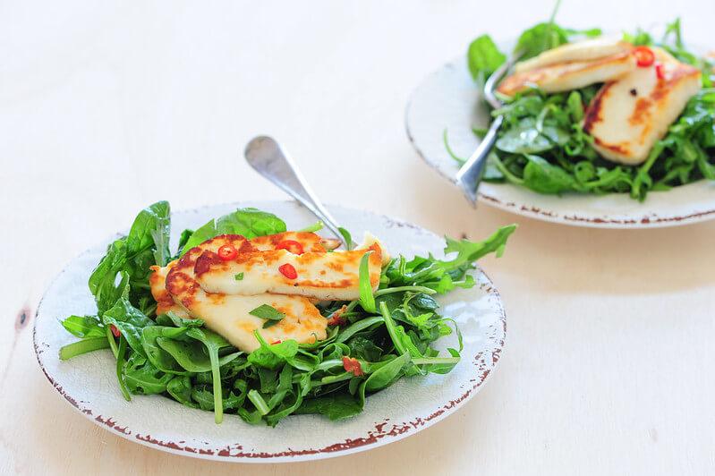 Quick Halloumi & Rocket Salad