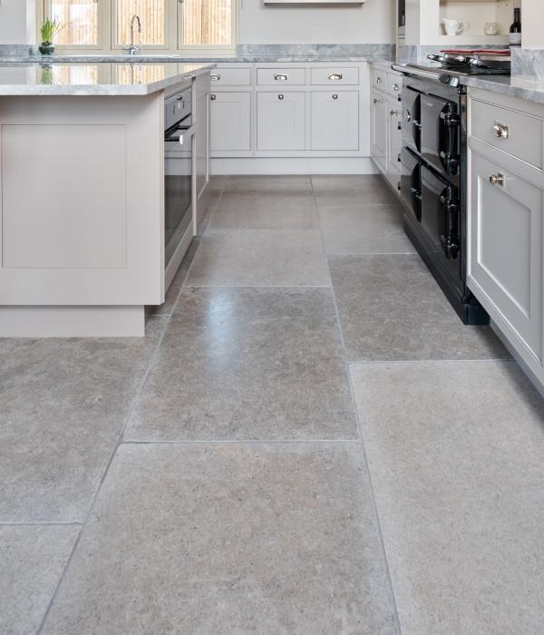 Corfe Limestone Tumbled Finish within a beautiful kitchen