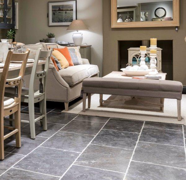 Tamworth Limestone Vintaged Finish living room