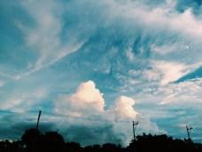clouds screaming
