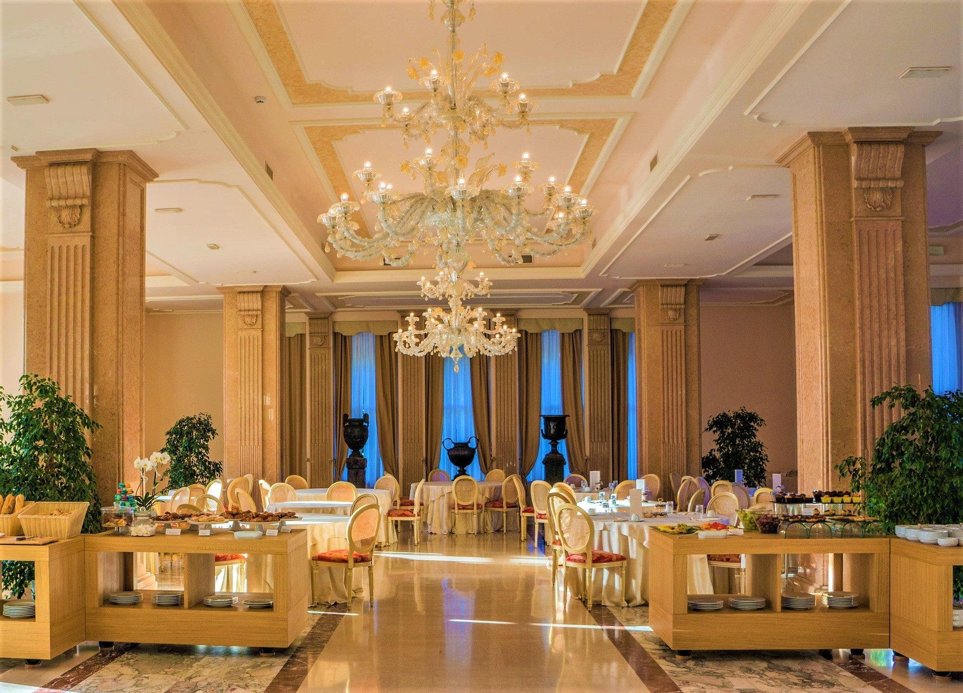 7 Most Luxurious Restaurants In Hyderabad