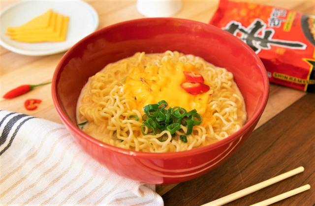 Milk and cheese instant noodles