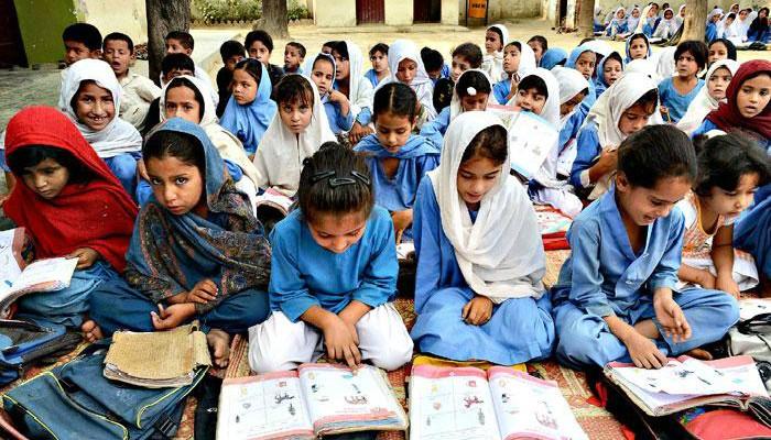 آزادکشمیر کا گرتا ہوا معیارِ تعلیم