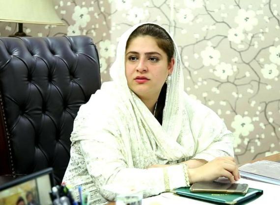 لاہور گرائمر سکول میں ہراسگی کا سامنا کرنے والی طالبات نا معلوم دباو کی وجہ سے کیس نہیں لڑ رہیں : چیرپرسن چائلڈ پروٹیکشن بیورو سارہ احمد