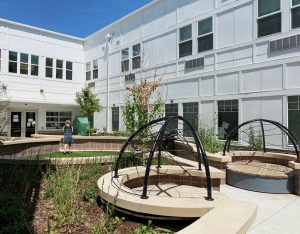 STUDIO-Architecture-Attention-Homes-Interior-Courtyard