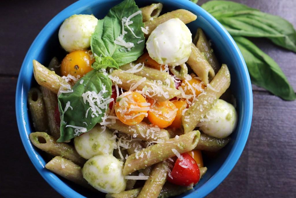 Tomato and Mozzarella Pesto Pasta