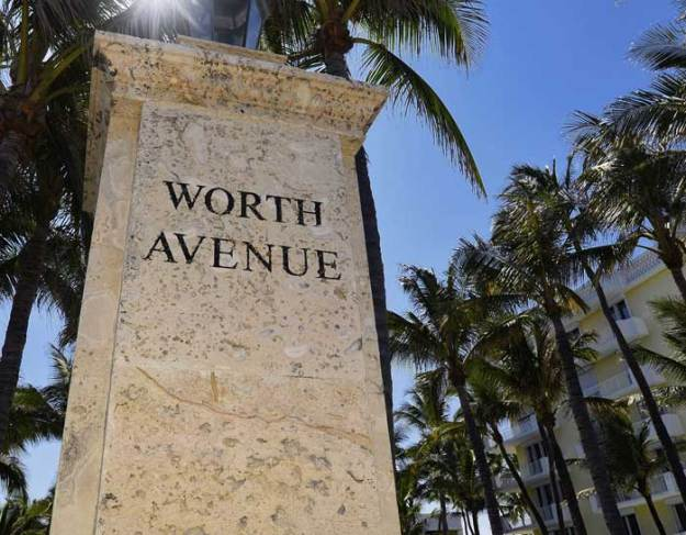 Worth Avenue Statue
