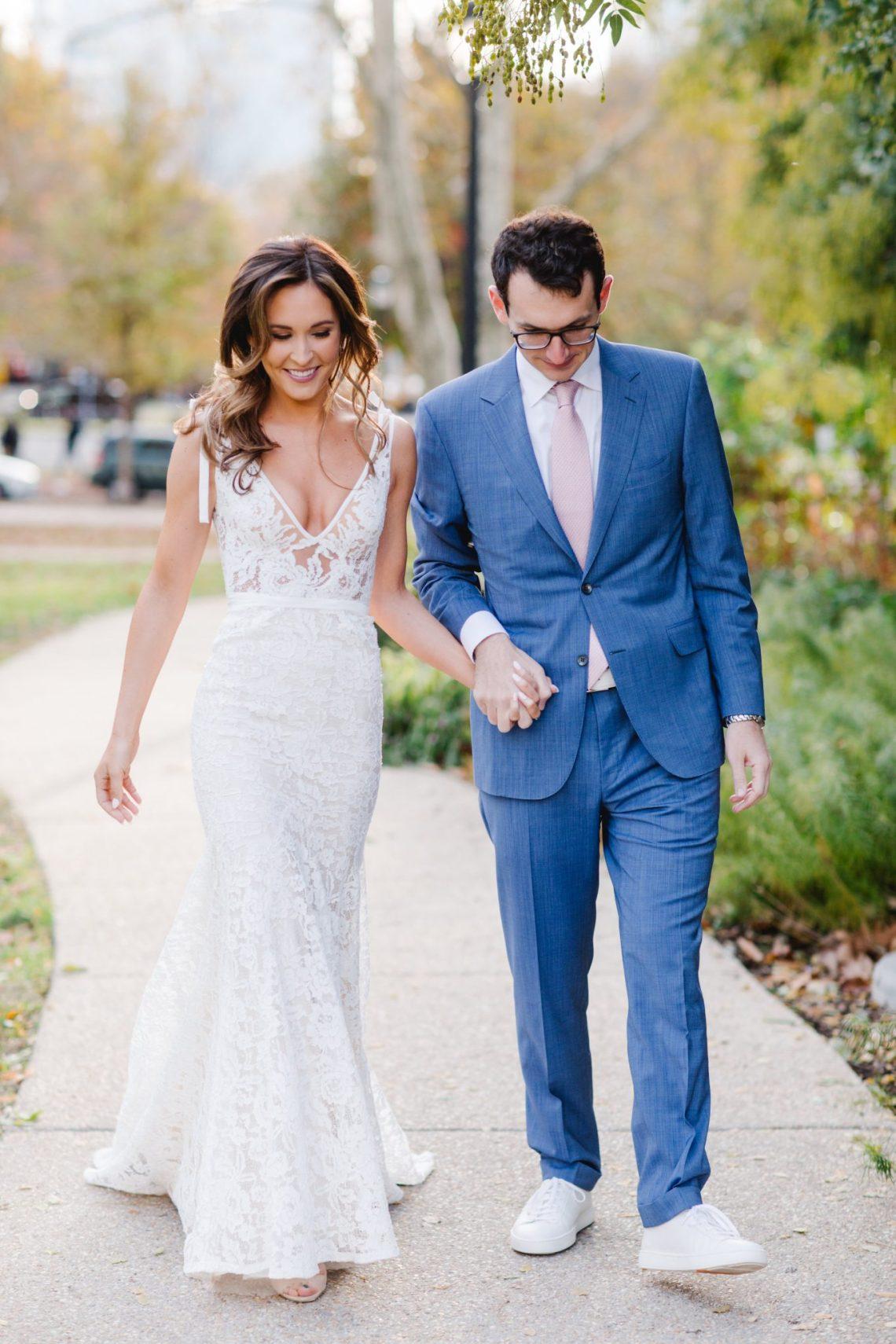 Fall Wedding at The Barnes Foundation in Philadelphia | www.thestyledbride.com