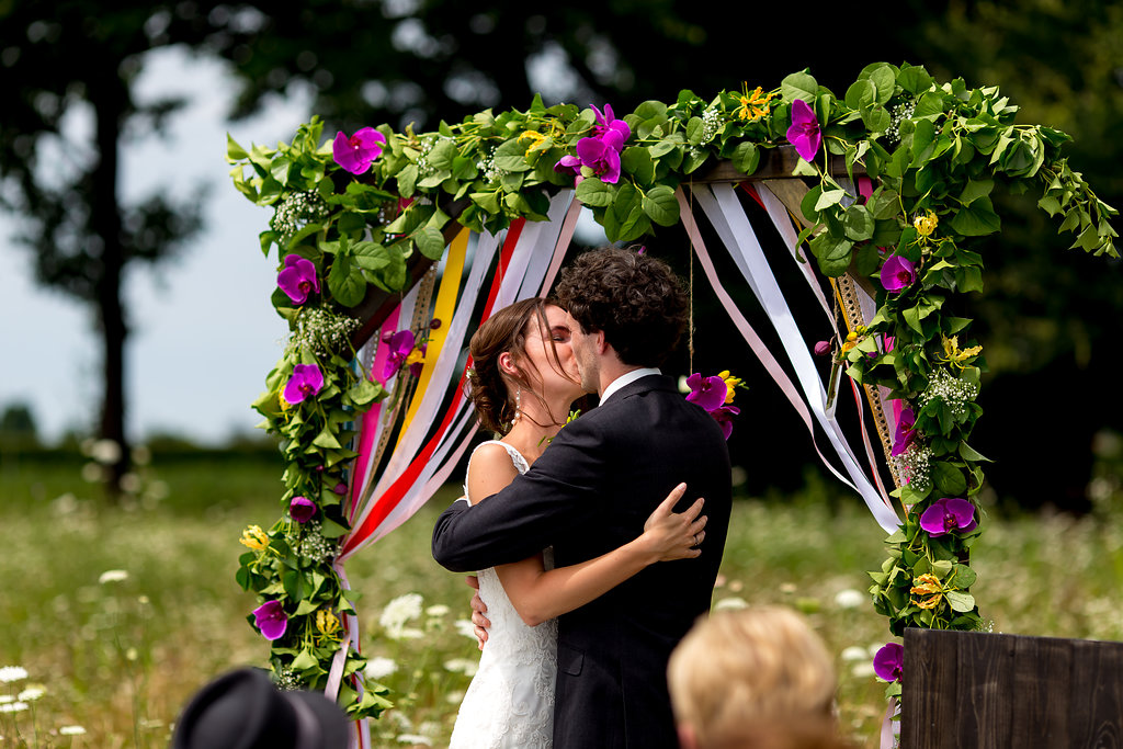 Colourful festival Wedding @De Greftenhoeve