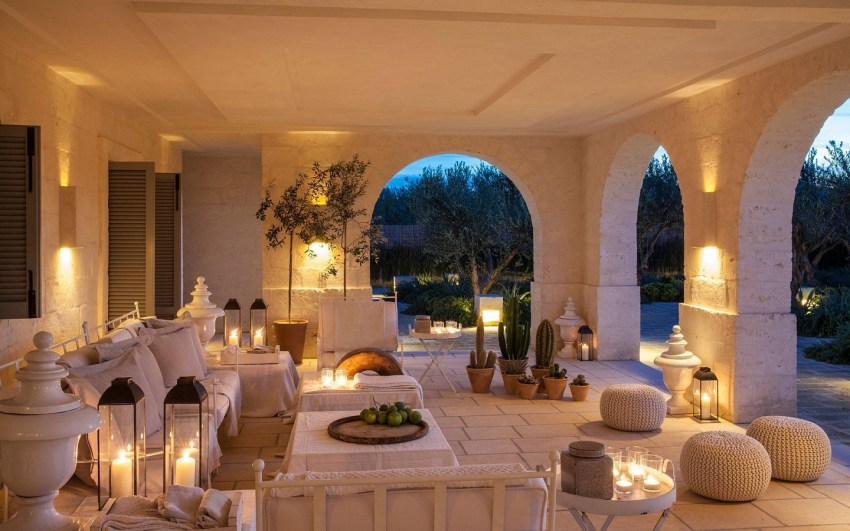 Borgo Egnazia villa padronale patio - The Style Lovers