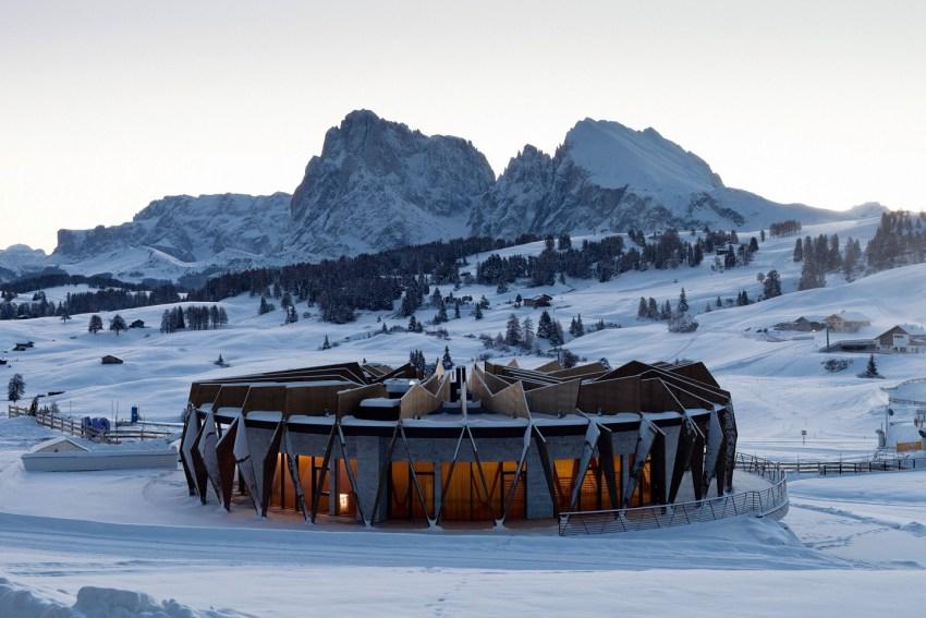 Dolomiti Val Gardena - AlpinaDolomites esterno architettura - TheStyleLovers