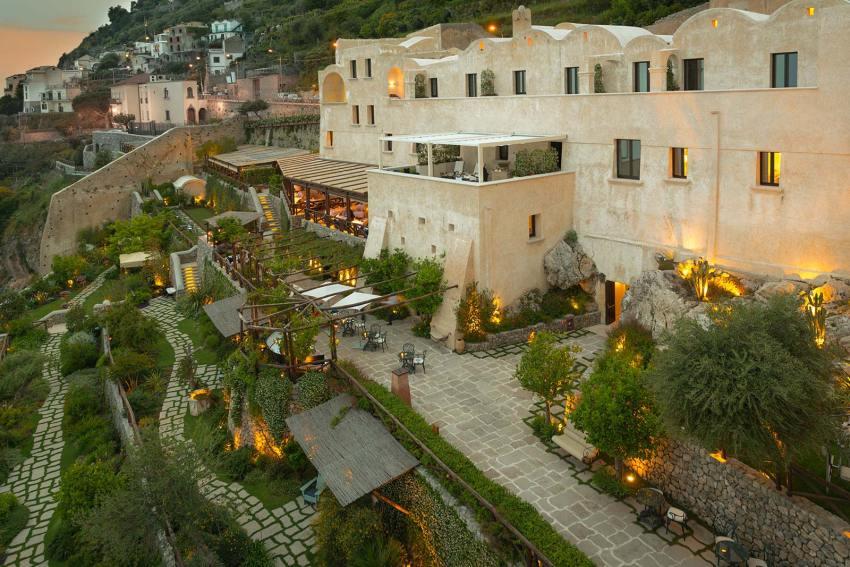 Monastero Santa Rosa. Amalfi - giardini -thestylelovers.com