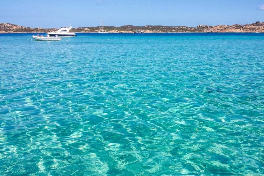 Un bagno alle Piscine naturali della Maddalena. Sardinia - thestylelovers.com