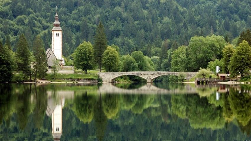 Visitare il lago di Bohinj vicino a Bled - thestylelovers.com