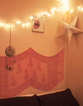 My room looks so much better at night. The warmth of light really relaxes me.