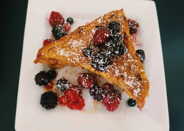 Vegan french toast with berries