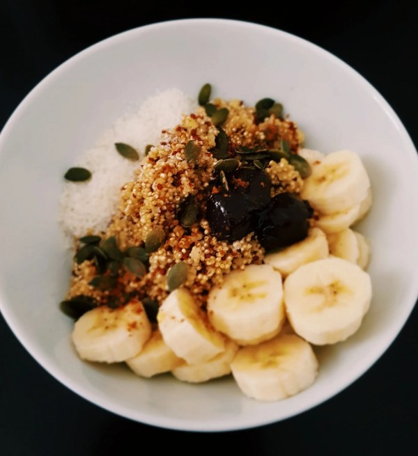 quinoa porridge breakfast vegan