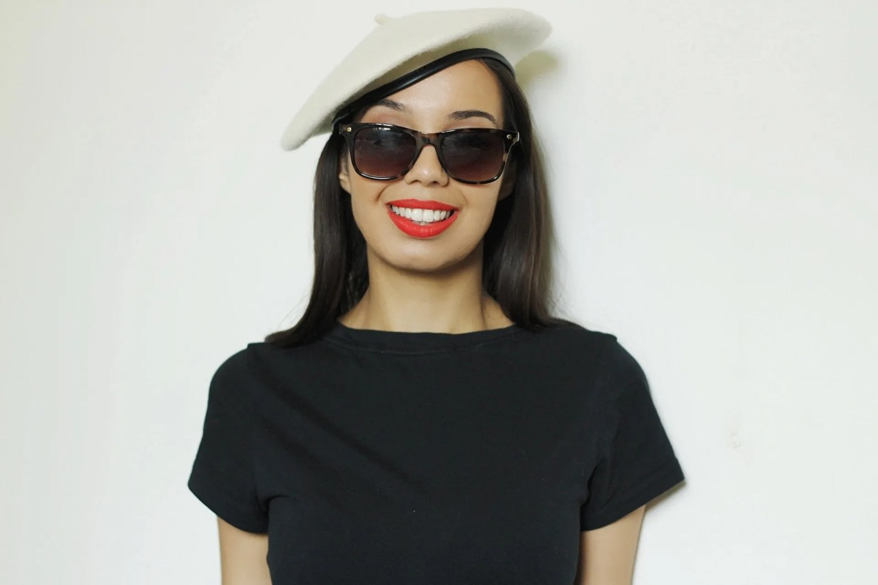 scoliosis post-surgery judgement girl wearing beret and red lipstick - The Style of Laura Jane