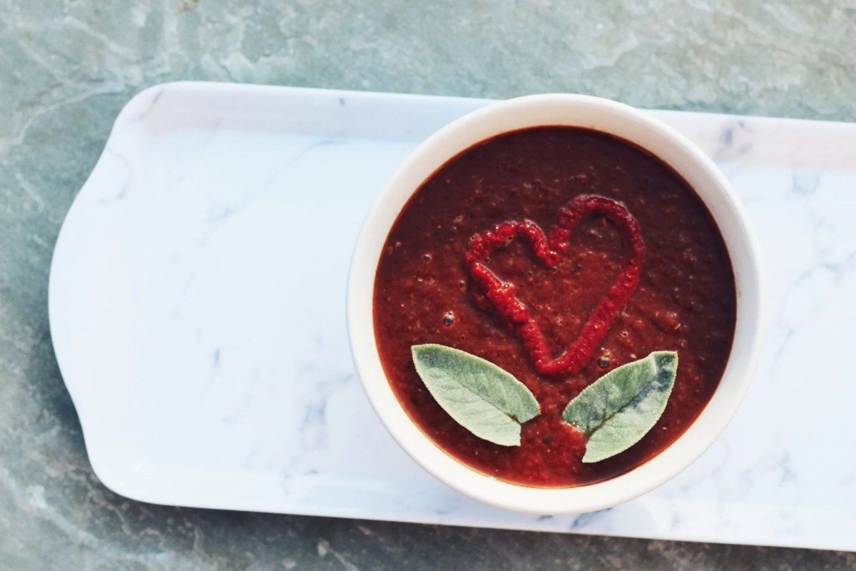 lazy girl healthy eating tomato soup - The Style of Laura Jane