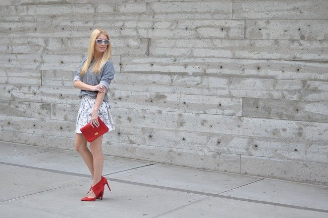 Banana Republic Marble Skort, Red heels, grey sweatshirt // thestylesafari.com