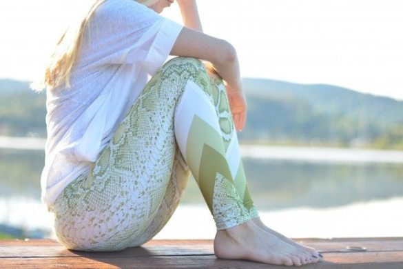 green snake leggings, white nike athletic top // thestylesafari.com