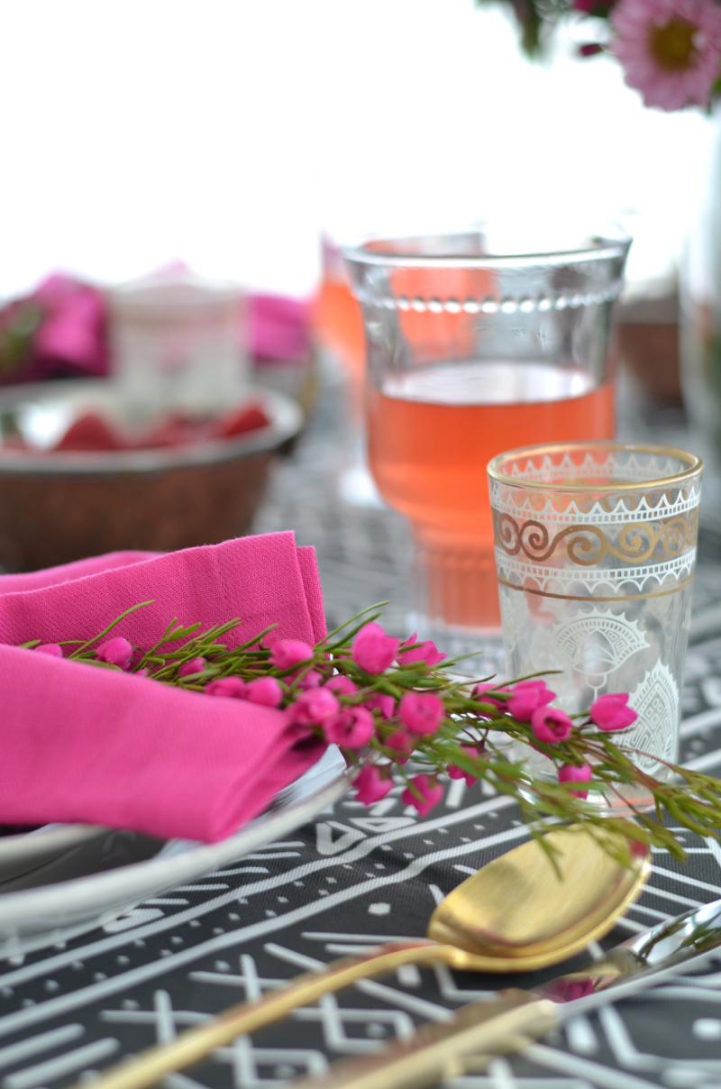 african mudcloth table cloth, table setting, pink, fuchsia, gold, crate & barrel marin dinnerware // thestylesafari.com