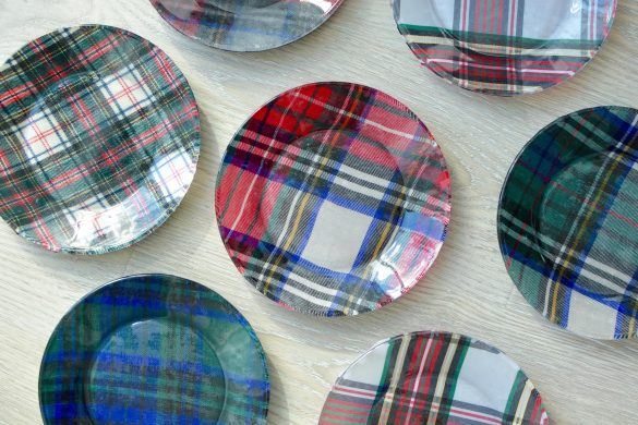 DIY, Plaid Fabric Glass Plates // thestylesafari.com