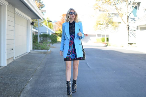 light blue blazer, j.crew blue long double cloth blazer, printed lace anna sui mini dress, sam edelman black boots, le specs sunglasses // thestylesafari.com