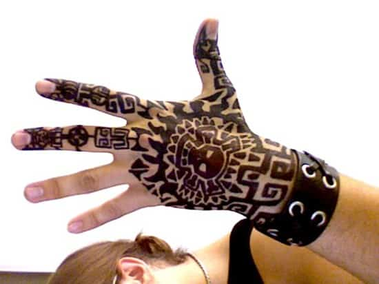 hand-tattoos-4