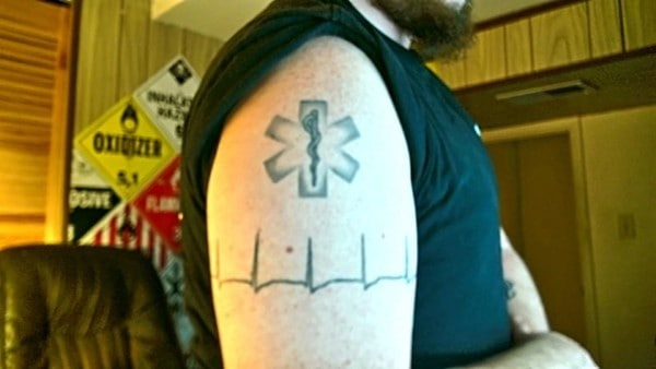 what-does-tattoos-think-of-my-spin-on-the-arm-band-650x366