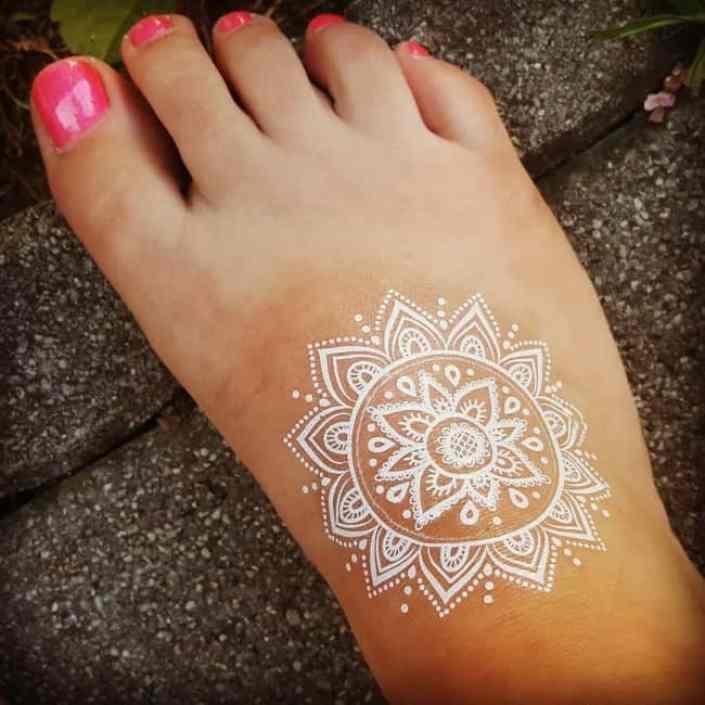Bilderesultat for white tattoo