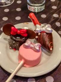 Minnie's Influencer Dinner Party Minnie Themed Desserts