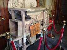 No English translation to explain this contraption at the hot springs...